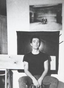 Philip Fagan posa per un film di Andy Warhol , 1964. Fotografia di Ugo Mulas