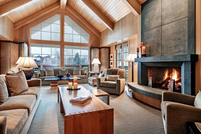 Golden Peak Penthouse R2, Vail Village / SOLD $7,750,000 / 2.26.19 (Photo: LIV SIR)