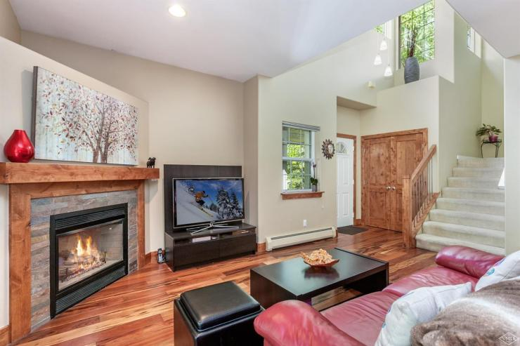 Terrace Ridge Townhome #6C, Edwards / SOLD $625,000 / 11.7.17 (Photo: LIV SIR)