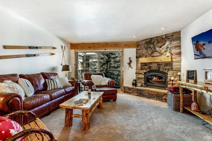 Avon Lake Villas M3,Avon / SOLD $460,000 / 2.7.19