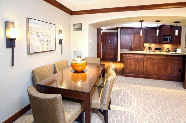 Ritz-Carlton Bachelor Gulch HS325, Bachelor Gulch / SOLD $1,060,000 / 7.31.19 (Photo: SSF)