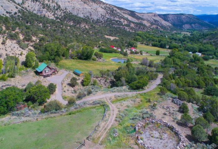 751 Sweetwater Road, Sweetwater / SOLD $1,015,000 / 9.9.2020 (Buyer Represented; Photo Provided by Berkshire Hathaway)