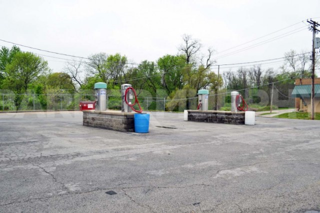 Image of Vacuum Station for Business Opportunity - Car Wash for Sale,  1020 Milton Rd, Alton, Illinois 62002, Madsion County
