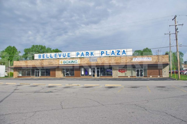 Exterior Image of Storefront for 15,510 SF Store Front Retail For Sale, Bellevue Park Plaza, 101-109 North 47th St, Belleville, Illinois 62223
