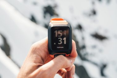 montre connectée ski snowboard tomtom adventurer
