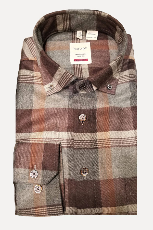 Haupt-Ceramica Maxi Plaid shirt in a button down model. Modern Fit.