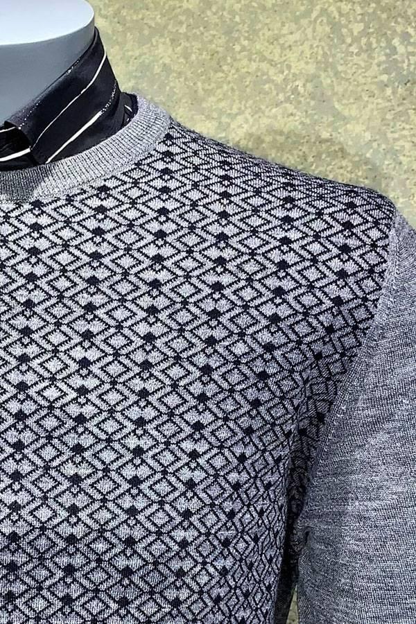 Diamond Design Crew Sweater
