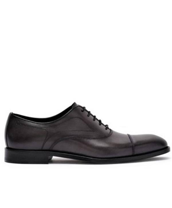 Bruno Magli Shoe Cap toe Lace up