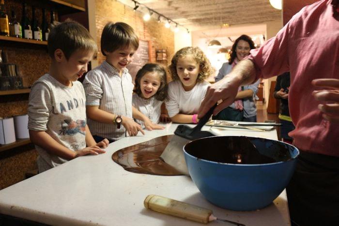 Çucor caramelos y talleres para niños