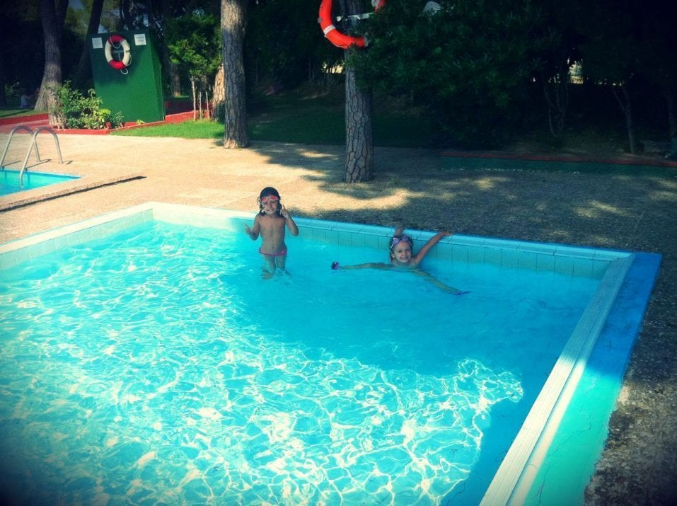 las mejores piscinas de barcelona barcelona colours