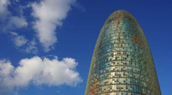 barcelona torre agbar