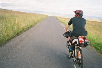 Cycling into the distant horizon
