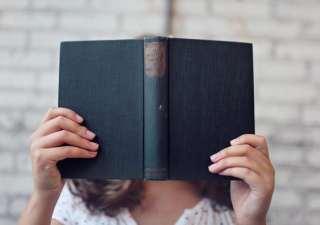blur-book-girl-373465