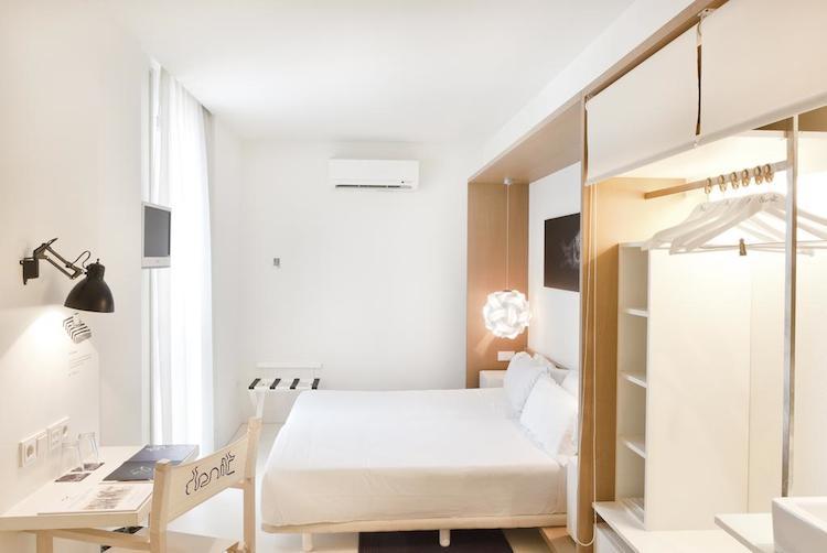 Kamer in hotel Denit in Barcelona