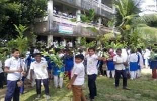 টিফিনের টাকা বাঁচিয়ে পরিবেশকে বাঁচাতে চায় মঙ্গলসিদ্ধ গ্রামের শিক্ষার্থীরা