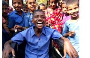 হুইল চেয়ার পেয়ে এখন মনিরুল প্রতিদিন স্কুলে যেতে পারবে