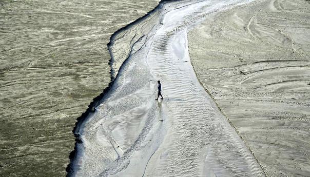 মানিকগঞ্জে  নদী আছে; পানি নেই