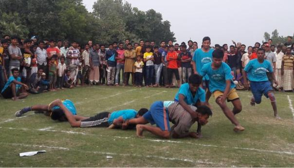 তানোরে গ্রাম বাংলার ঐতিহ্যবাহী কাবাডি খেলা অনুষ্ঠিত
