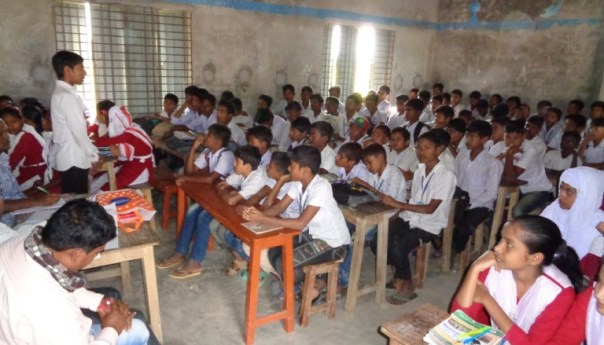রাজশাহীতে জলবায়ু পরিবর্তন বিষয় নিয়ে উপস্থিত বক্তৃতা ও কুইজ প্রতিযোগিতা অনুষ্ঠিত