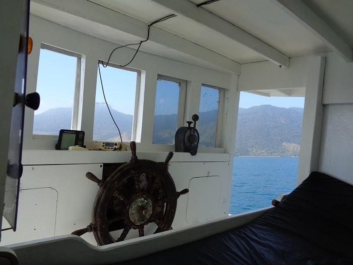 painel-e-cama-do-mestre-do-barco-700x525