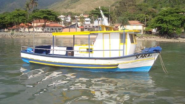 barco-para-pesca-ilha-bela