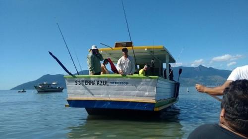 passeio-e-pesca-de-barco-dominic