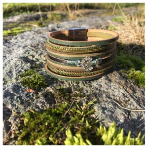 Skinnarmbånd i grønt