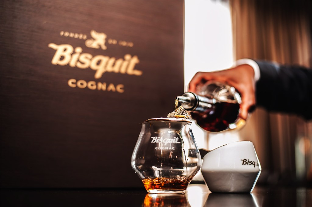 bisquit-cognac_perfect-serve-step-2