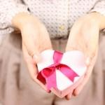 バレンタインでチョコ以外のプレゼントでおすすめは?食べ物で人気は?