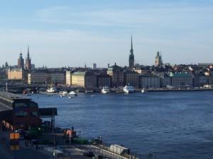 Schiaffeggia il figlio per strada consigliere arrestato a Stoccolma