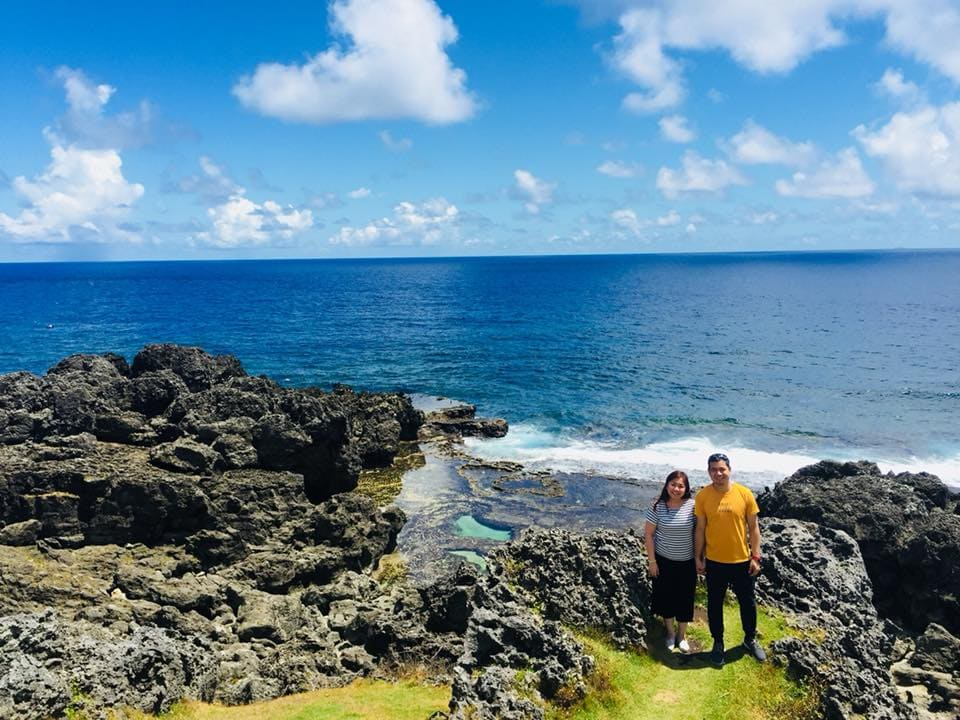batanes-couple-customers