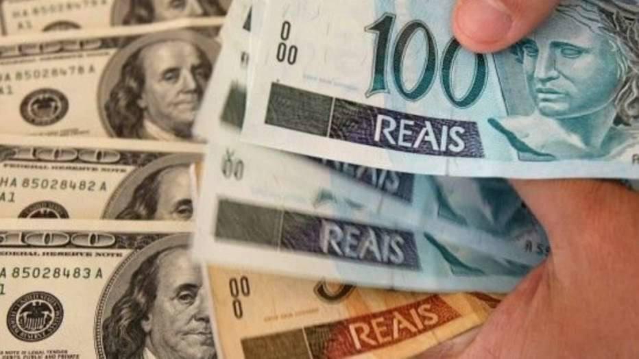 6d4ae99ef6 Compre no Brasil o mínimo necessário em pesos argentinos (as casas de câmbio  brasileiras cobram muito caro). Prefira comprar no Banco de la Nación