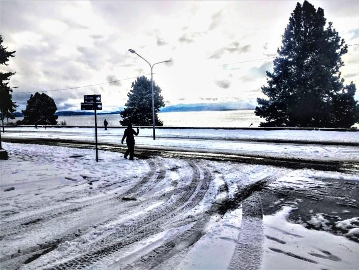 Bariloche, ruas vazias no centro.