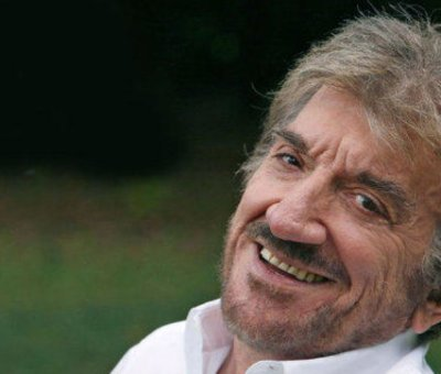 """Addio a Gigi Proietti: è morto l'interprete di """"Mandrake"""", il mago degli ippodromi romani di Febbre da cavallo"""