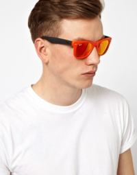 óculos amarelo espelhado na moda