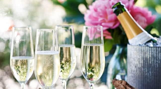 sådan hælder du champagne