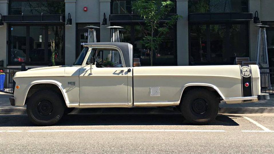 Sweptline Survivor 1969 Dodge D100 Pickup