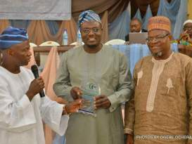 Lagos Commissioner honoured with Amir Hajj 2017 Award