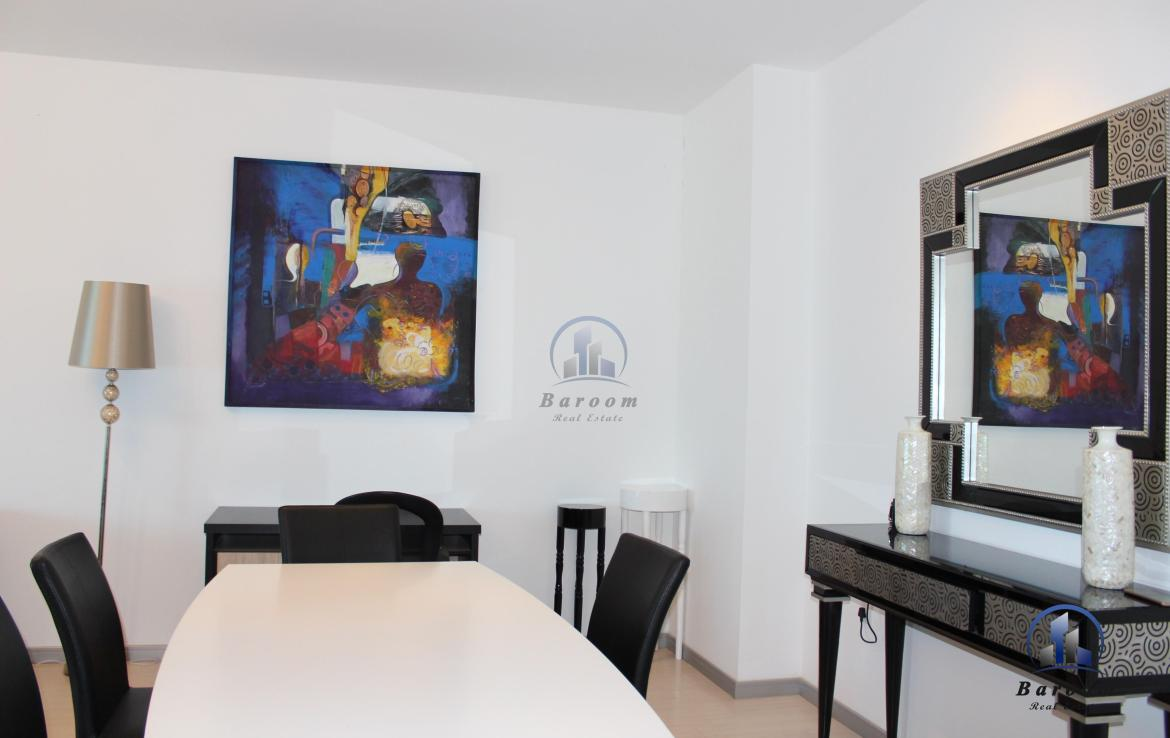 Charming Two Bedroom Flat3