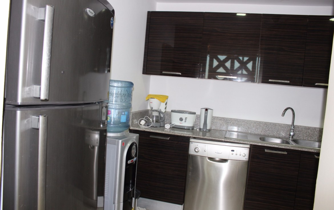 Spacious 2 Bedroom Apartment 6