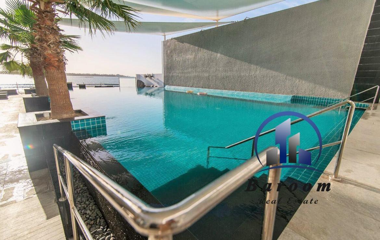 Superb One Bedroom Luxury Apartment 10