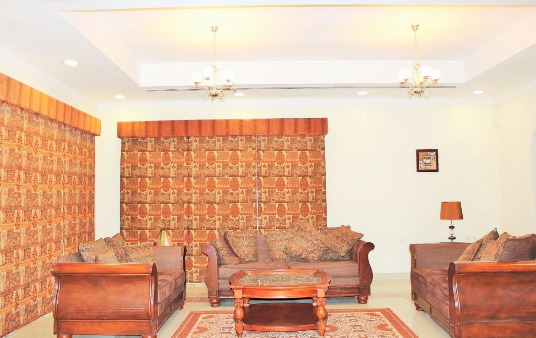 3 -story Villa Saar