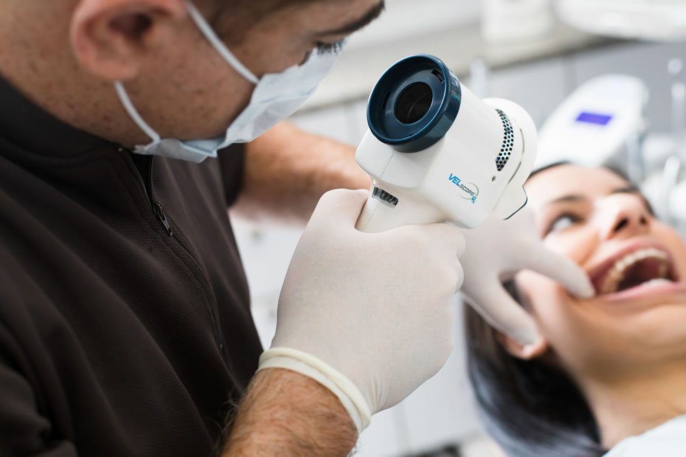 Using the latest tech, we scan for oral cancer at our barrie clinic