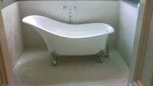 Claw foot soaking tub