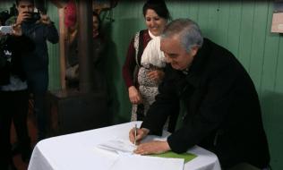 Firma de Contrato de Barrio.