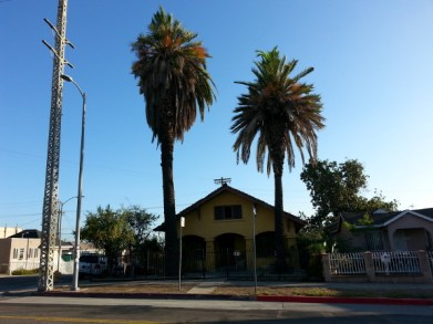 The front of the former Kindereshul, at Wabash and Stone, City Terrace, Los Angeles.