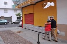 Vida Josefa Bermúdez y Francisco Gea Ramos paseando por su barrio de Córdoba.