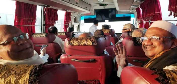 বাসযোগে টুঙ্গিপাড়া যাচ্ছেন দিয়েছেন মন্ত্রীরা