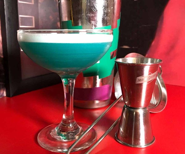Boutiquey Blue Lagoon Cocktail – 80s Month
