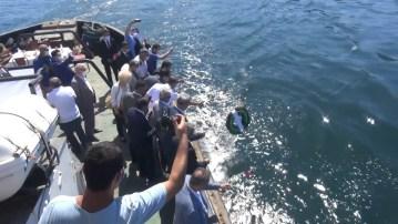 Kabotaj Bayramında batık gemiye çelenk bırakıldı